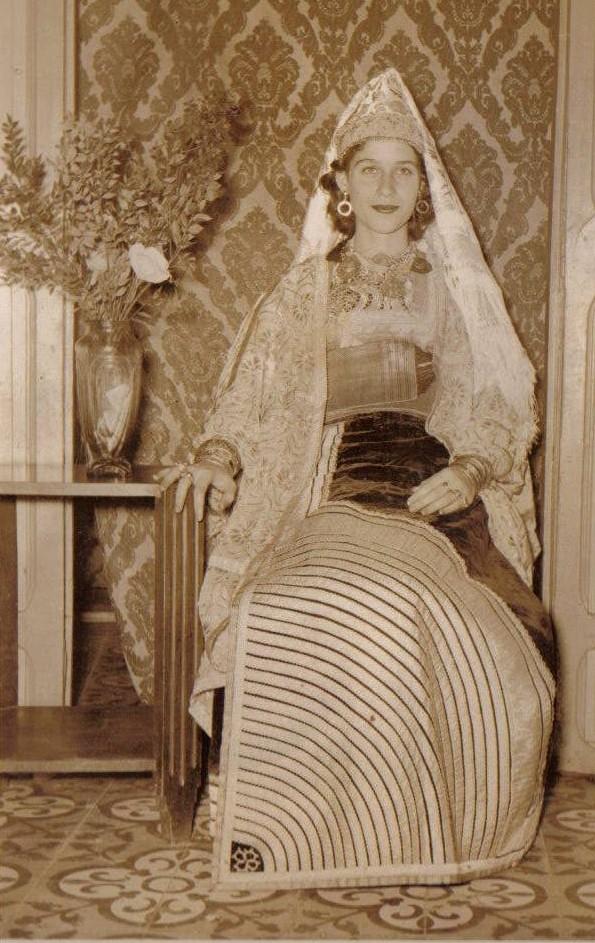SOIR DU HENNE AVEC  LA KESOUA EL KBIRA (grande robe en arabe) - Page 2 Hina710