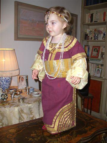 SOIR DU HENNE AVEC  LA KESOUA EL KBIRA (grande robe en arabe) Madrid10
