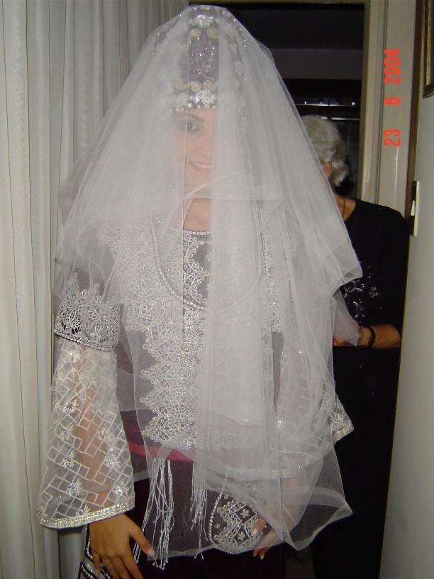 SOIR DU HENNE AVEC  LA KESOUA EL KBIRA (grande robe en arabe) - Page 2 Poni_n10