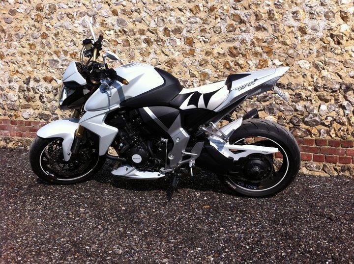 CB 1000 R de 2011 ( blanche ) 313