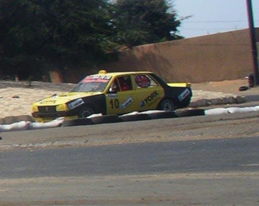 taxi 505 v6 480cv  u00e0 dakar