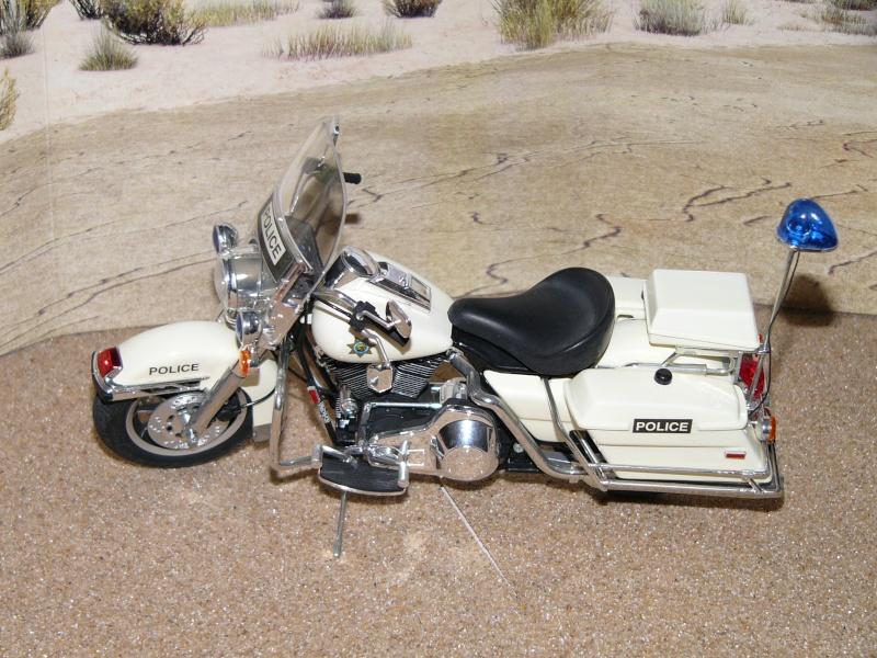 Road king Police versus Custom. Kits_512