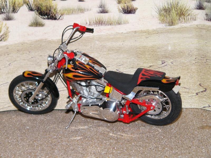 a qui qu'elle est cette moto ? Softai19