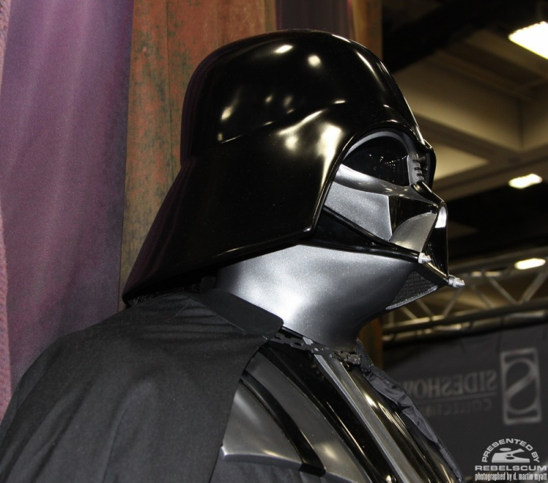 Sideshow - Darth Vader Life-Size Figure Img_9311