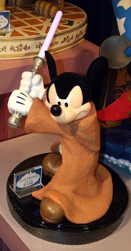 les trentes ans de STAR WARS par disney Mickey10
