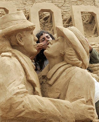 Sand sculptures Sand-c10