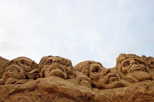 Sand sculptures Sand-r11