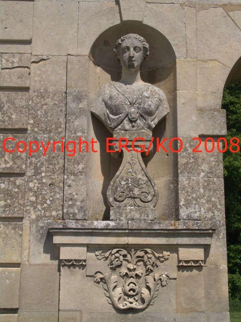 Enquête au Château fantastique de Raray Dsc01823