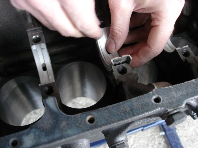 [ VW Golf 2 GTI an 85 ] pb de démarrage et révision moteur. - Page 4 Coussi10