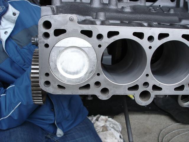 [ VW Golf 2 GTI an 85 ] pb de démarrage et révision moteur. - Page 4 Piston11
