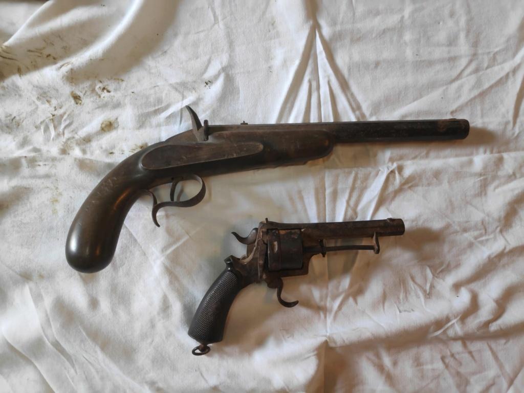 Identification revolver à broche type lefaucheux et pistolet flobert Img_2010
