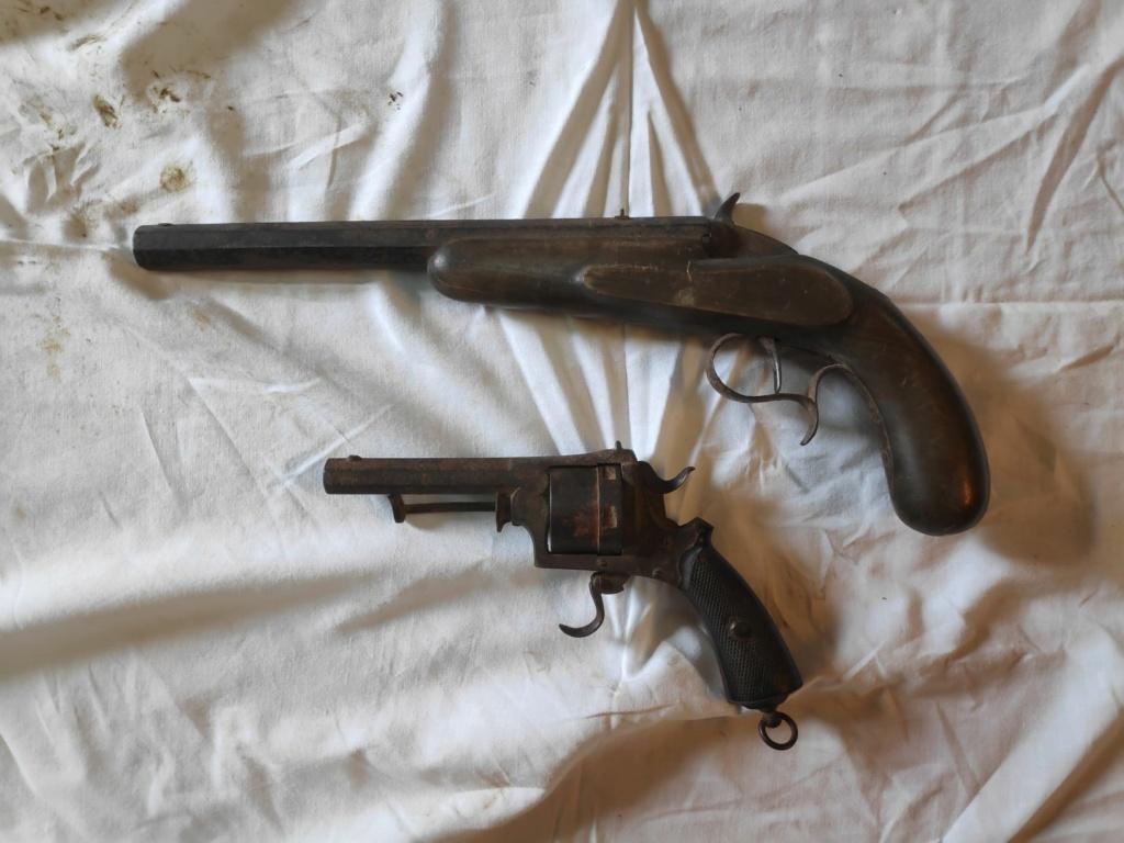 Identification revolver à broche type lefaucheux et pistolet flobert Img_2011