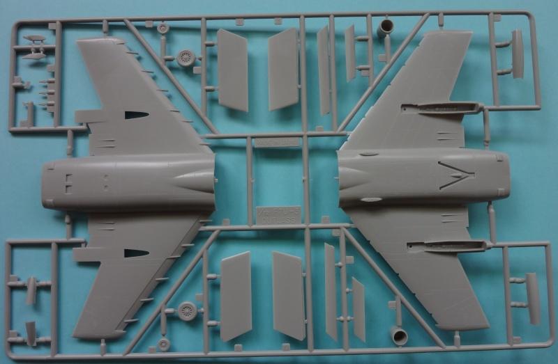 [Fujimi 1/72] F7U-3P Cutlass F7u_0013