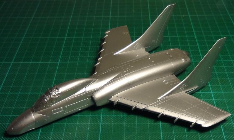 [Fujimi 1/72] F7U-3P Cutlass - Page 2 F7u_0210