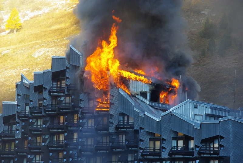 [ValIsère]Incendie à Val d'Isère Imgp2410