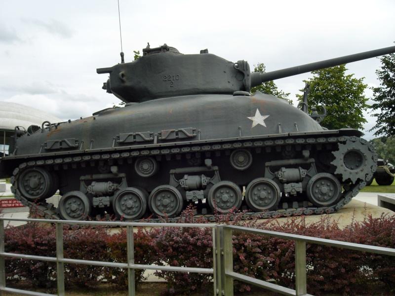 SHERMAN M4-A1 au 1/35è par l'ancien Cimg1510