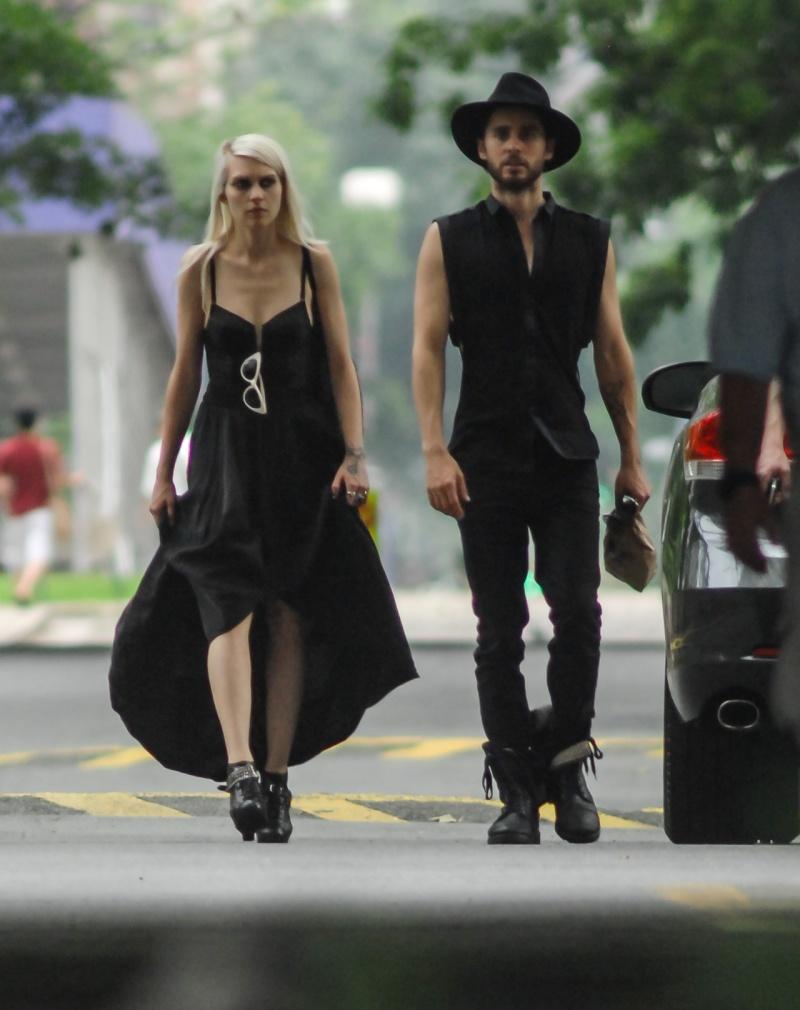 Jared Leto in Soho – 28 Mai 2012 [Candids]  000710