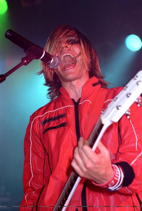 Review de concert (21 Février 2004 @ The Roxy) 00412