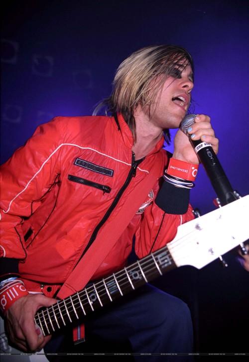 Review de concert (21 Février 2004 @ The Roxy) 01110