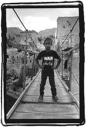 Le fameux pont de Mostar (Bosnie je crois)  War_ch10