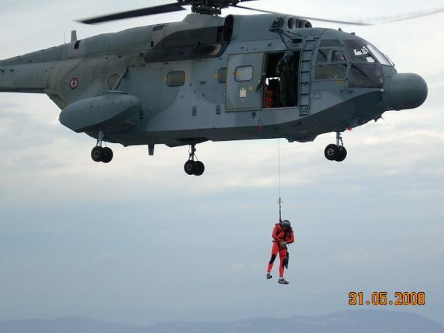 [Aéronavale divers] SUPER FRELON - Page 4 Dscn0421