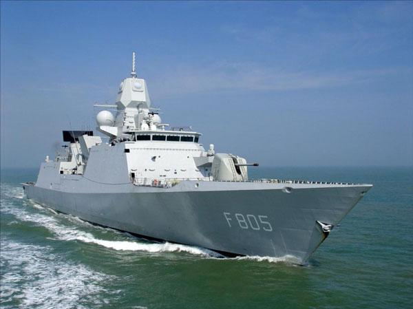 De Zeven Provinciën air defense and command class frigates - Page 2 00_0_e11