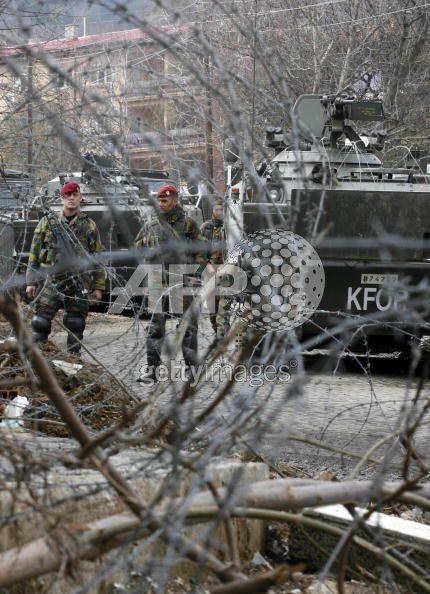Kosovo - KFOR : les news - Page 3 00_1_k11