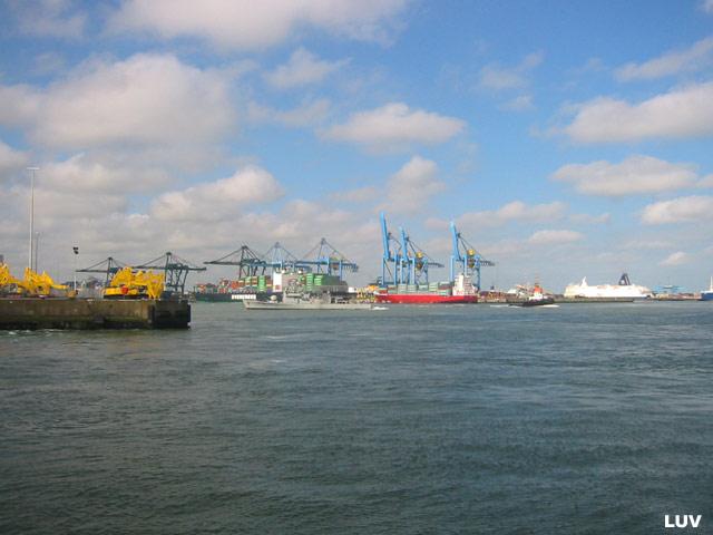 Départ des navires après les portes ouvertes 05_le_12