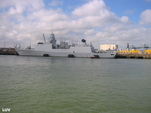 Départ des navires après les portes ouvertes 07b_el11