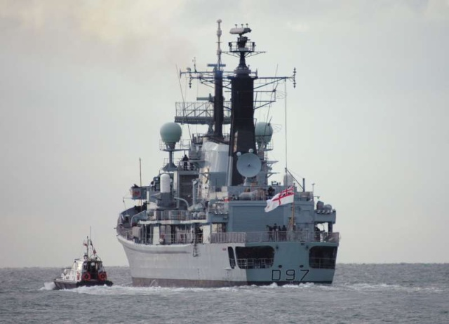 Type 42 Class destroyer 17933510