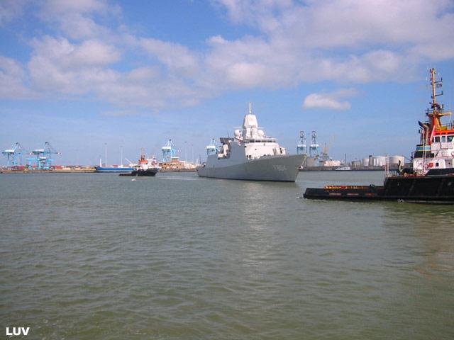Départ des navires après les portes ouvertes 19_de_11