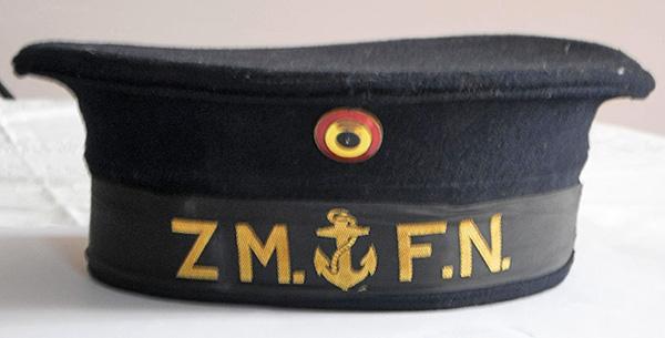 A-t-il existé un képi de couleur kaki dans la ZM-FN ? 1_kepi10
