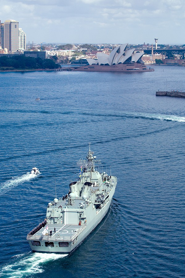 Australian Navy - Marine Australienne - Page 2 20080910