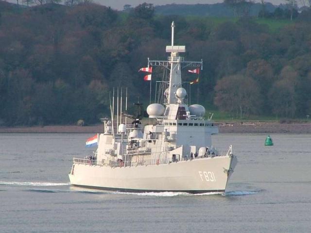 M-klasse fregatten (Karel Doorman M-class frigates) - Page 2 2150410