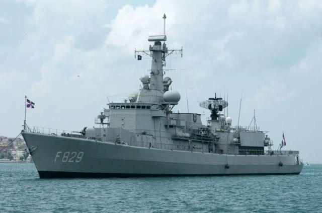 M-klasse fregatten (Karel Doorman M-class frigates) - Page 2 26529110