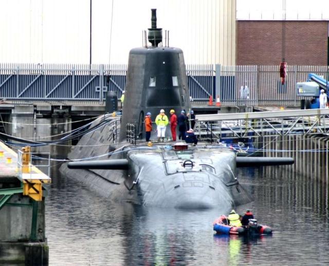 Trafalgar & Astute Class Submarine (SSN Fleet Submarines) 43601710