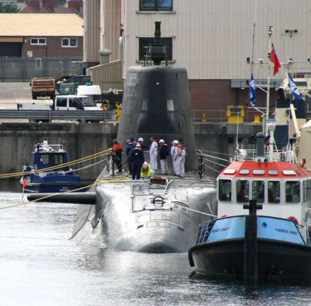 Trafalgar & Astute Class Submarine (SSN Fleet Submarines) 43670110