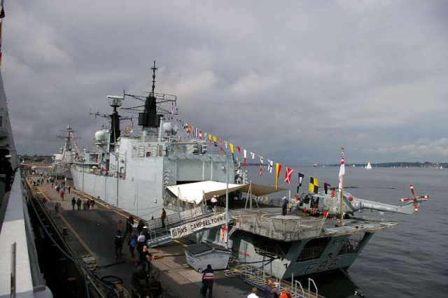 Type 22 Class frigate 43722510