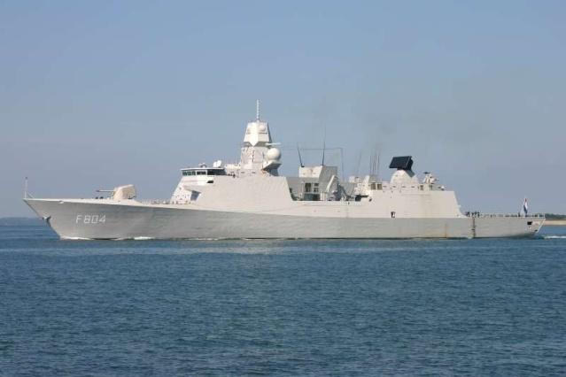 De Zeven Provinciën air defense and command class frigates - Page 2 44007410
