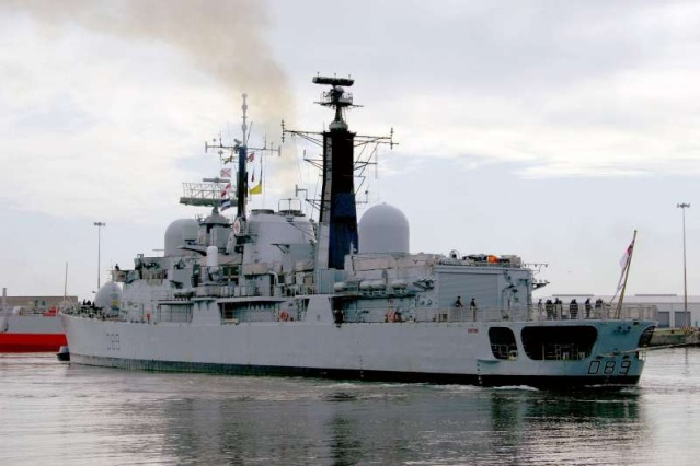 Type 42 Class destroyer - Page 2 44077810