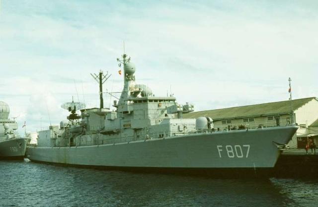 Standaardfregatten (Kortenaer class frigates) 51998710