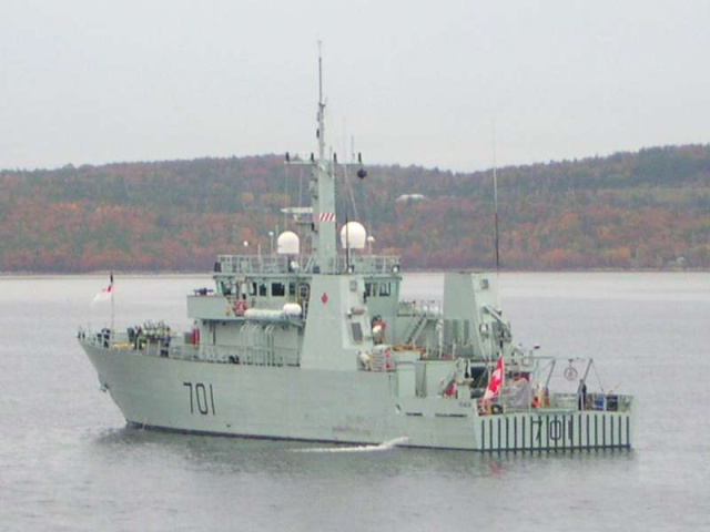 Canadian Navy - Marine Canadienne - Page 3 52241510