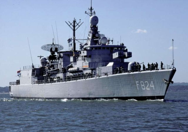 Standaardfregatten (Kortenaer class frigates) 7283810