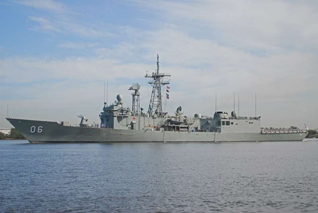 Australian Navy - Marine Australienne - Page 3 87884510
