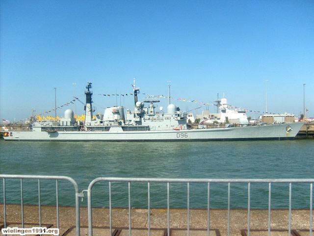 Voici mes photos des navires Base_016