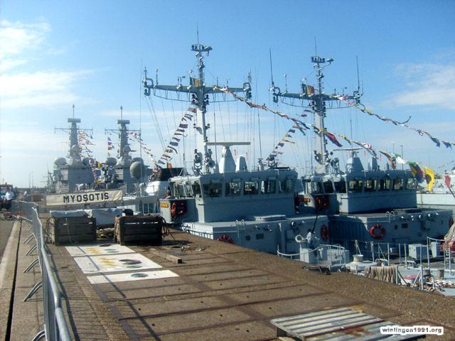 Voici mes photos des navires Base_020
