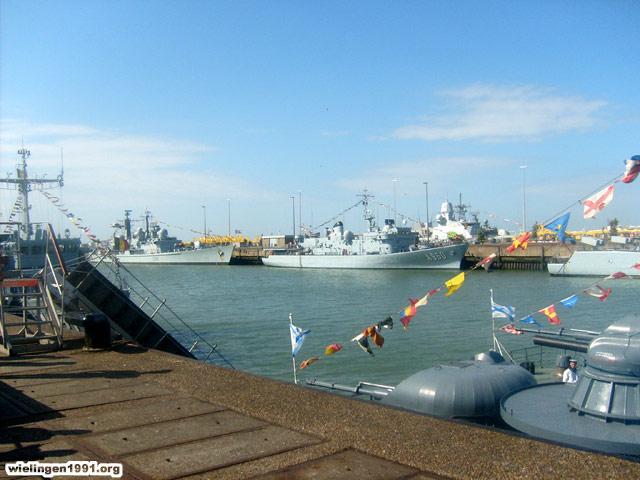 Voici mes photos des navires Base_110