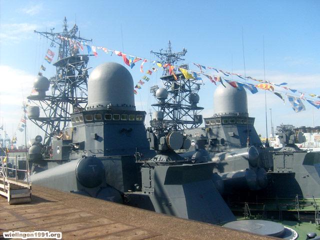 Voici mes photos des navires Base_111