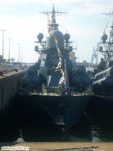Voici mes photos des navires Base_112