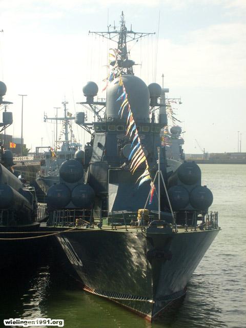 Voici mes photos des navires Base_114